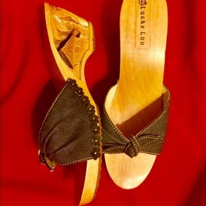 """Lucky Lou Shoes-Hand Carved """"Tiki Wedge"""" New!"""